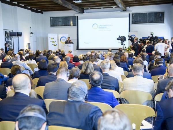 Інституційні зміни та боротьба з корупцією мають вирішальне значення для реалізації реформ в Україні